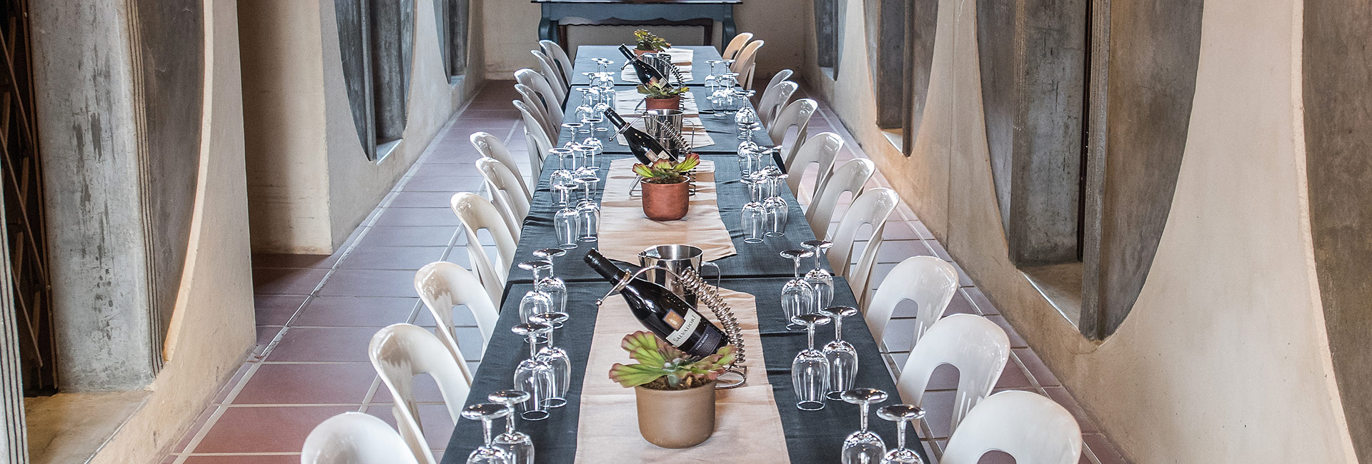 Wine Tasting Table Setting | Robertson Countryside Escape | Wederom Wedding Venue